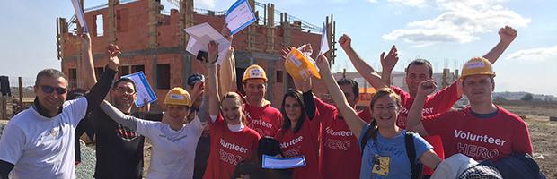 Voluntari din BT au contribuit pentru construirea de case pentru nevoiasi