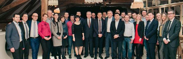 Aplauze pentru cei 20 de absolventi ai EMBA University of Hull din Romania