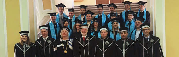 Prima generatie de absolventi ai EMBA University of Hull, ceremonie de absolvire in Cluj-Napoca