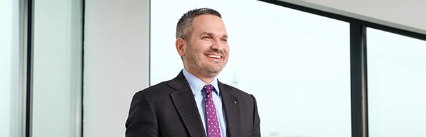 Omer Tetik, Directorul General BT, desemnat Business Leader Of The Year de catre Business Review