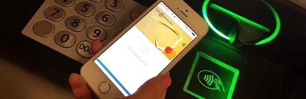 BT, singura bancă din România la care clienții pot retrage contactless bani de la bancomat cu telefonul