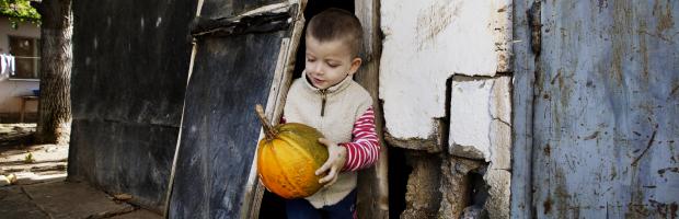 Banca Transilvania si Fundatia Simona Halep doneaza 50.000 de euro organizatiei SOS Satele Copiilor